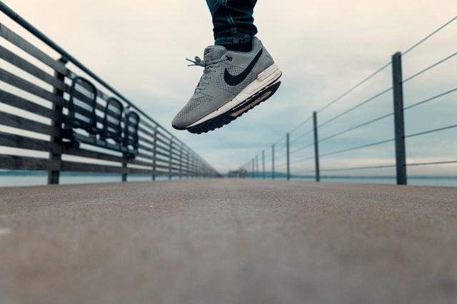 新しい靴に履き替えた時に見つける、ちょっとした発見